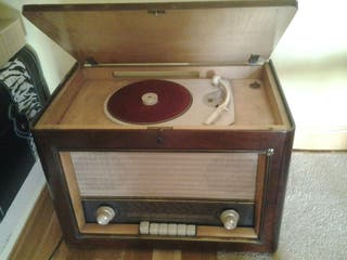 Radio tocadiscos antiguo PHILIPS