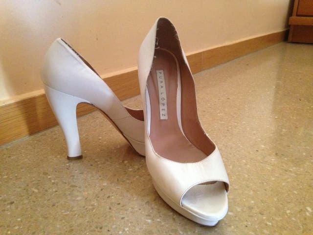 2ª rebajasss!!zapato de novia pura lopez de segunda mano por 30 € en