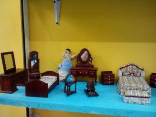 Mobiliario para casas de muñecas