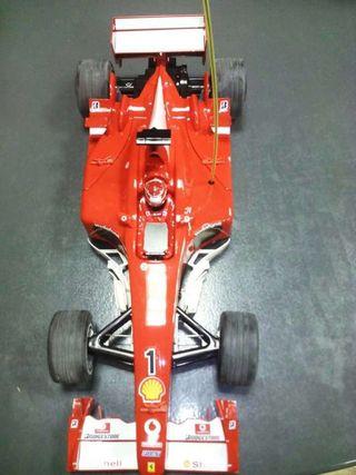 Coche teledirigido Ferrari gran escala a estrenar