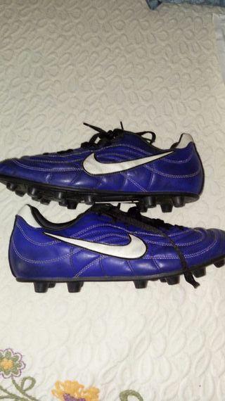 Botas de futbol nike talla 45/46 como nuevas.