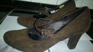 Zapato de ante marrón