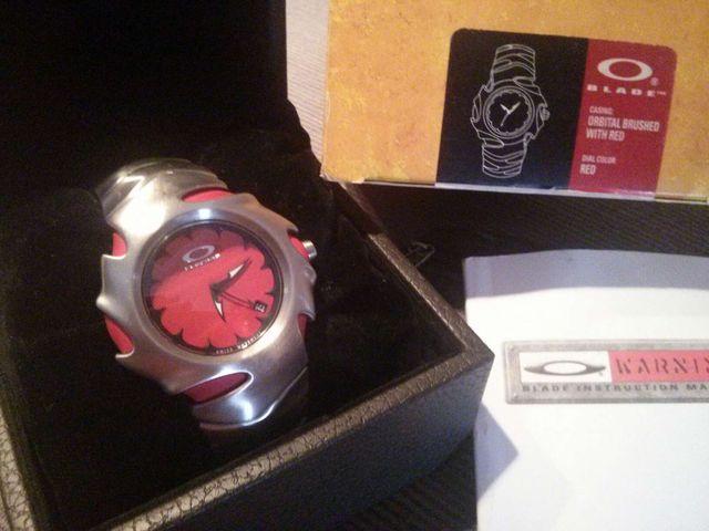 439bb86501cc Reloj OAKLEY BLADE de segunda mano por 400 € en Blanes en WALLAPOP