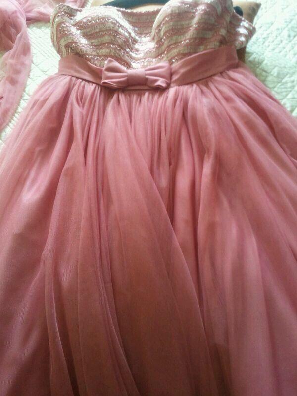Vestido de fiesta de segunda mano por 350 € en Santo Domingo de la ...