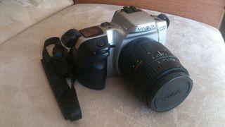 Camara reflex Minolta + objectiu 28-80