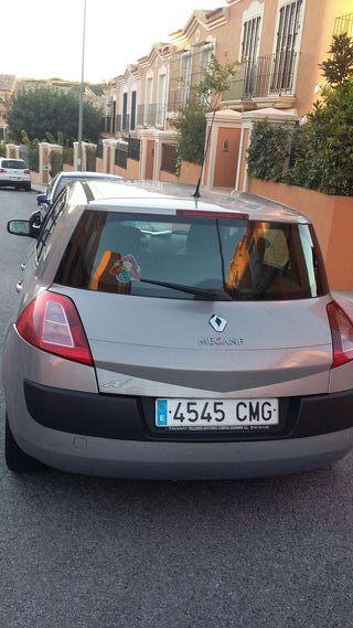 Vendo Renault megan buena condiciones elevalunas eléctrico revisiones mecánica recin pasada dirección asistida aire acondicionado 6 velocidades chapa y pintura impecable itv pasada llave a tarjeta