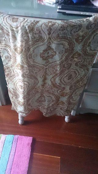 Pañuelo / foulard en tonos verdes y marrones