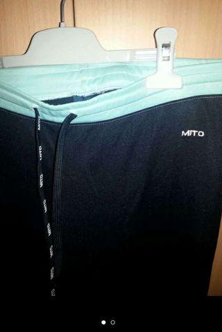 Pantalón chándal marca Mito