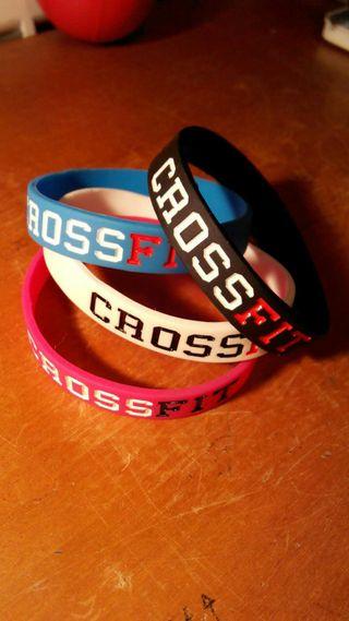 Llaveros y pulseras crossfit