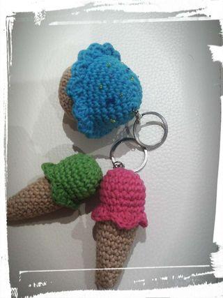 Llaveros crochet.
