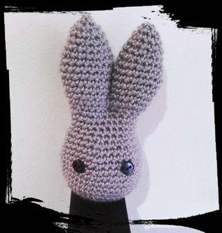 Muñequito crochet.
