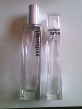 Botellas recargables de perfumarte.