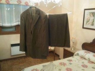 Trajes caballero,1 marrón y 1 gris