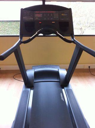 Cinta de correr profesional Life Fitness 9500HR