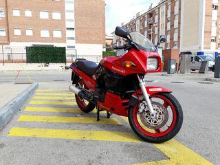 Moto Kawasaki GPZ 900 R
