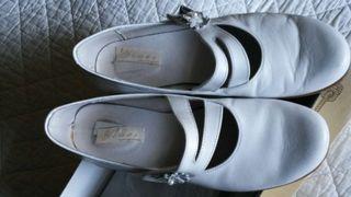 Zapatos comunión talla 37..