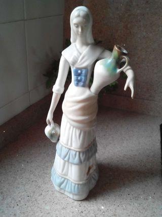 Figura de porcelana.