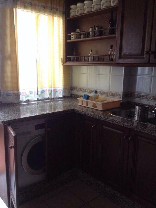 Muebles De Cocina En Madera Maciza de segunda mano por 1.300 € en ...
