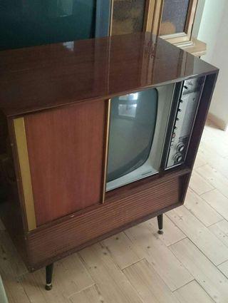 Antigüedad televisión Philips de madera