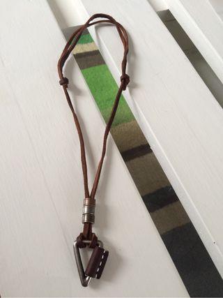 Collar cuero Vintage