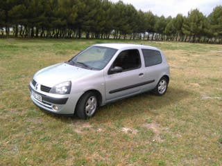 Renault Clio 1.2 gasolina año 2004