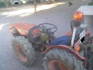 Tractor 8900 agria.
