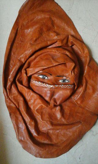 Máscara beduino piel.