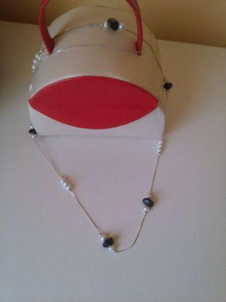 Collar plateado