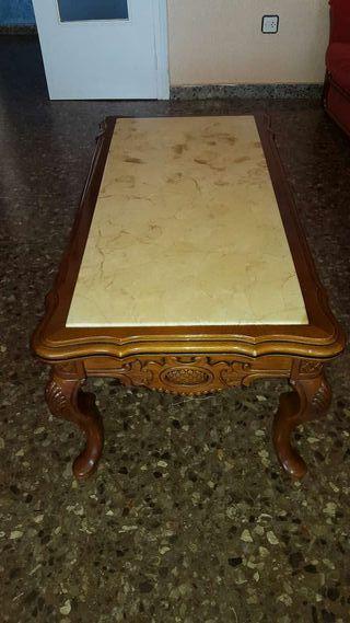 Mesa de marmol pequeña.