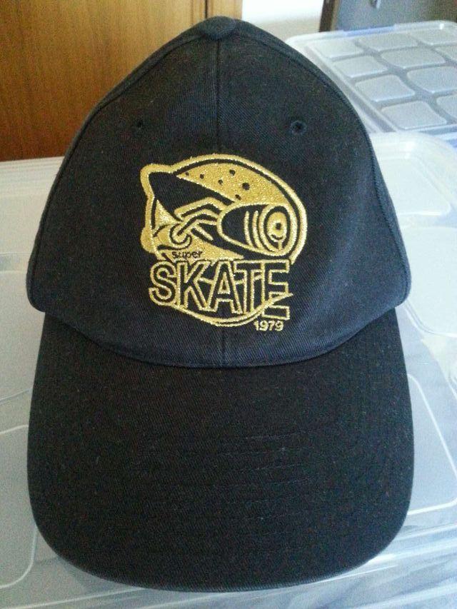 3a43453deaeb1 Gorra de skate de la marca Adidas de segunda mano por 9 € en ...