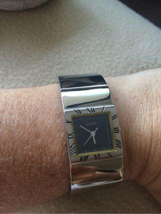 Reloj GUESS de Mujer. Poco Uso.