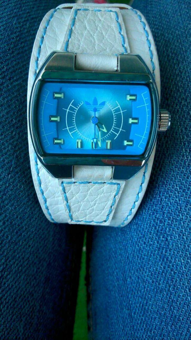 529a0d7535fb Reloj Mujer Adidas Originals de segunda mano por 50 € en Sabadell en ...