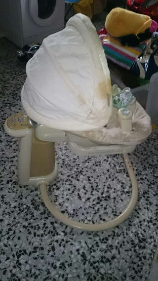 Mecedora eléctrica Graco Sweetpeace para recién nacidos