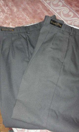Dos pantalones Emidio Tucci talla 42