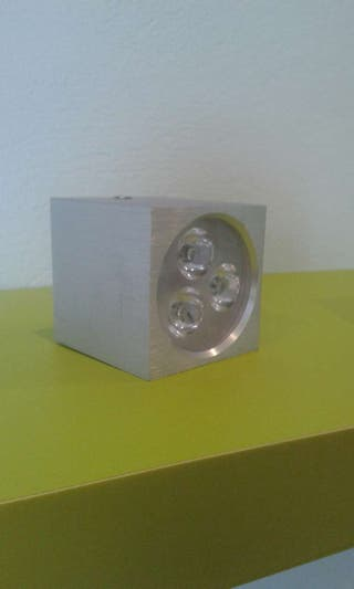 Aplique cuadrado superficie led 3 x1 w