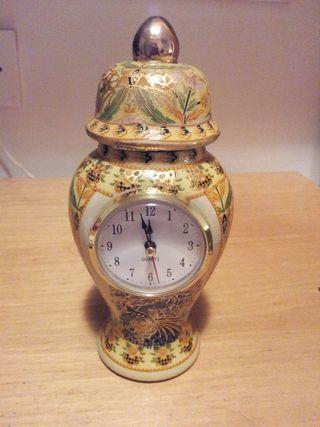 Reloj jarrón de porcelana china