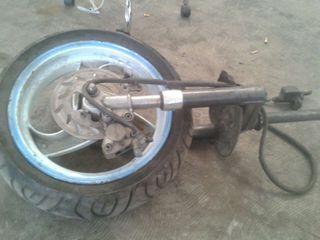 Horqilla con rueda y freno d nrg