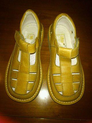 Zapatos piel t/25