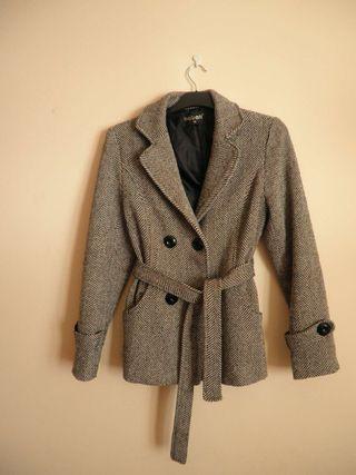 Preciosa chaqueta jaspeado.