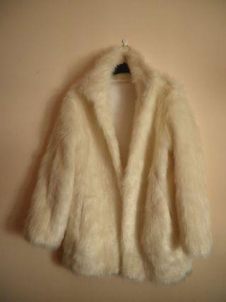 Abrigo de pelo blanco vintage