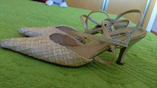 Zapatos fiesta color marfil talla 39
