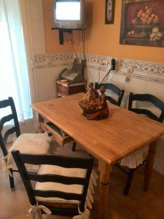Mesa madera maciza oferta de segunda mano por 150 en for Wallapop mesas