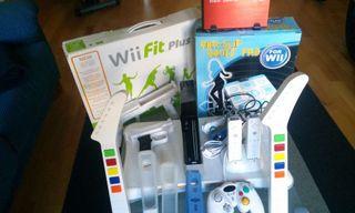 Consola Wii negra con 250 juegos y accesorios