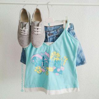 Top azul turquesa verano