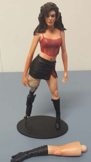 Figura mujer planet terror