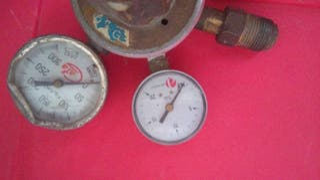 Manómetro ,llave de paso