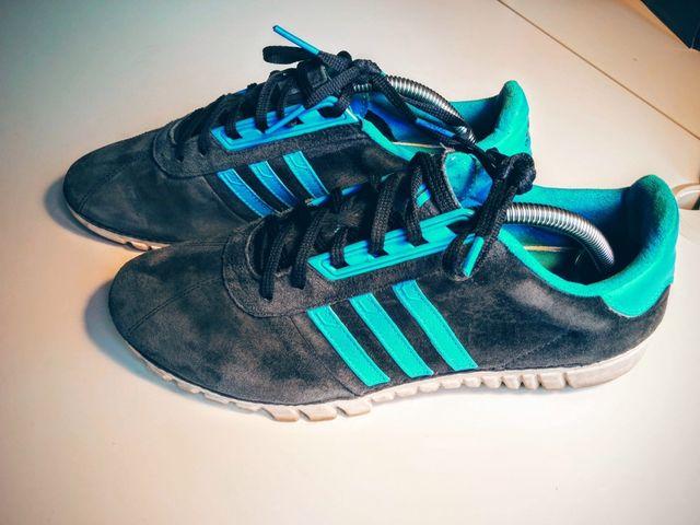 Zapatillas Adidas. Hombre 41