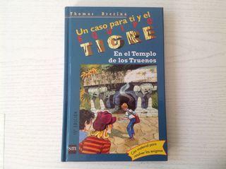 """Libro """"Equipo Tigre"""" con sobre para resolver enigmas"""