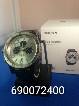 Reloj nixon 48-20 silver-black(garantia)