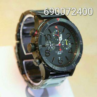 Reloj nixon 48-20 black Red dot (garantia)
